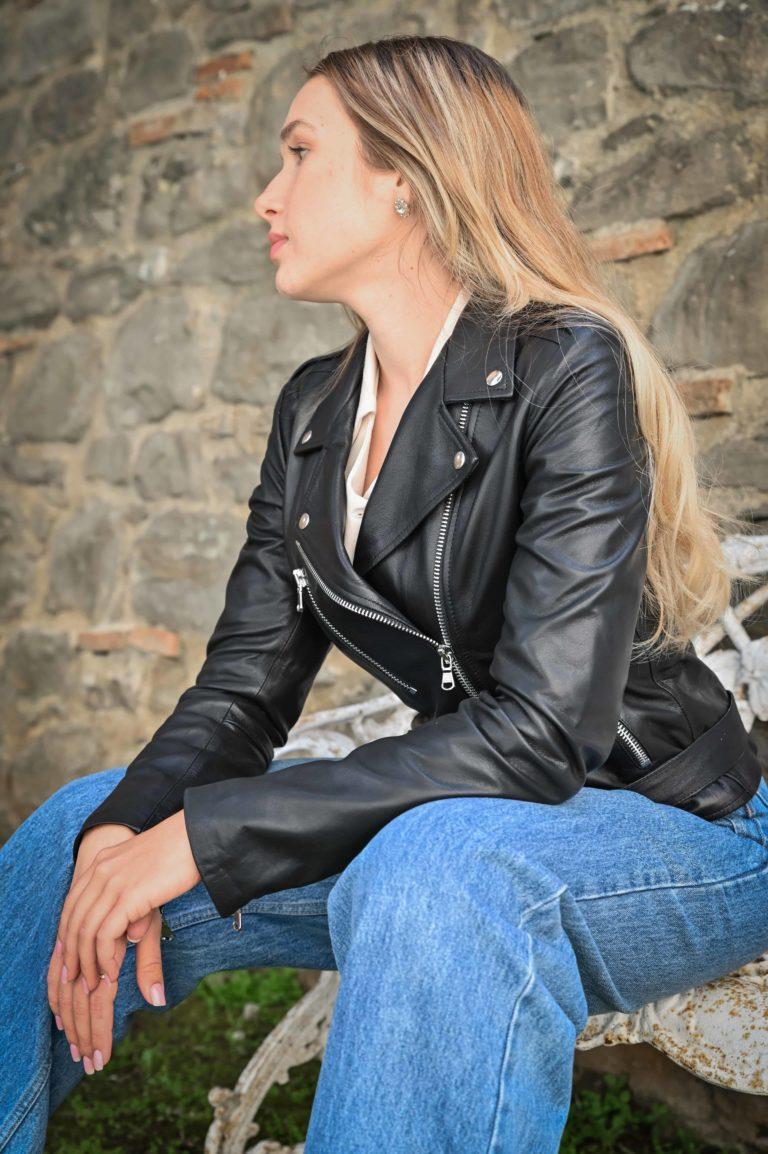Chiodo biker in pelle colore nero effeftto liscio