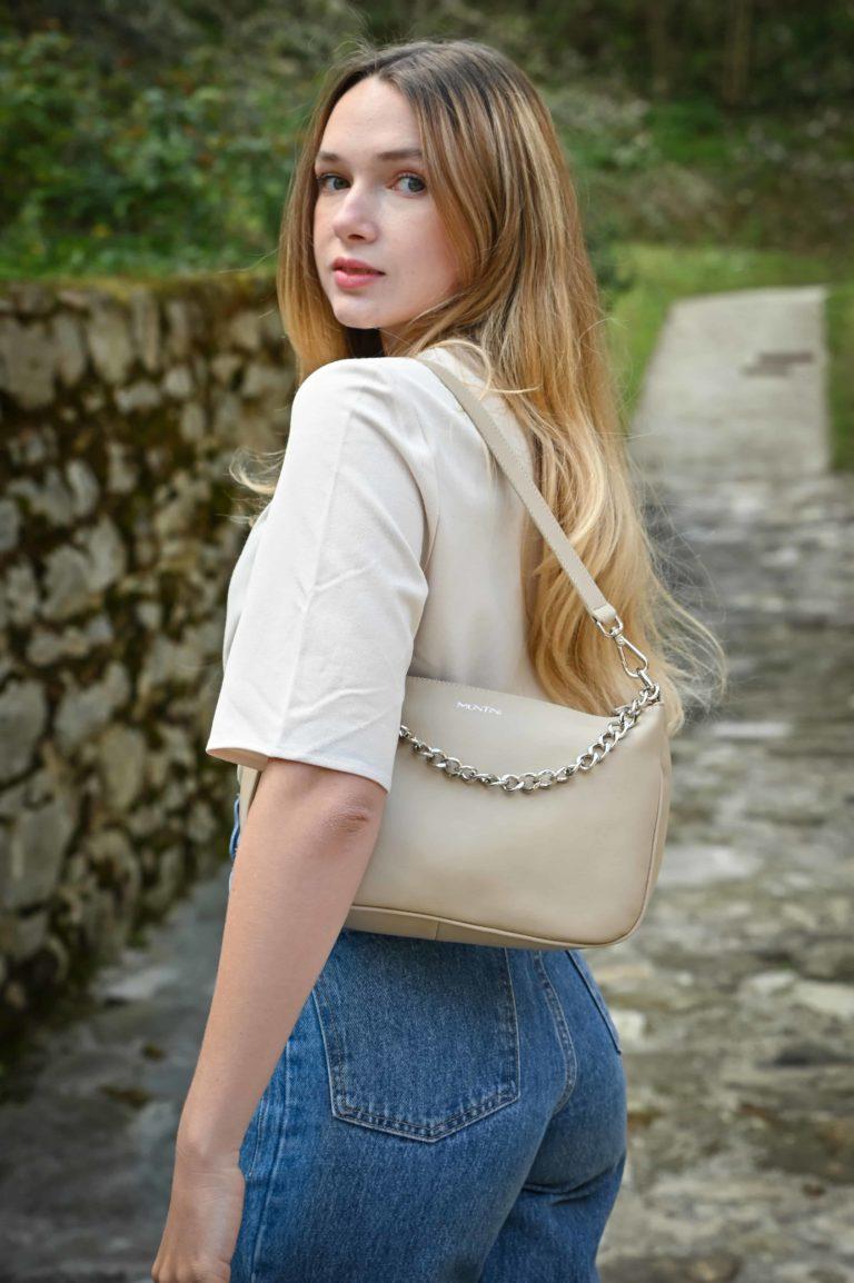 Mini borsa in vera pelle, neutra ed elegante_1